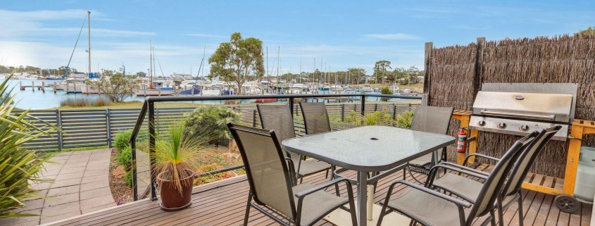 Absolute Waterfront 1 - Raymond Island Holiday Accommodation