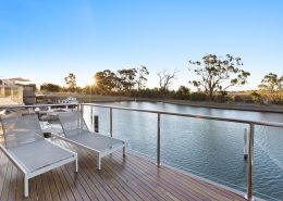 Gippsland Lakehouse A - Paynesville Holiday Accommodation